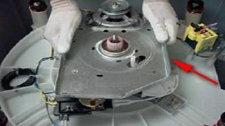 retirada base lavadoras consulCWL75A e CWL10B thumb Desmontagem e Testes das Lavadoras Consul CWL75A e CWL10B