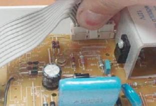 retirada conector placa potncia consulCWL75A e CWL10B thumb Desmontagem e Testes das Lavadoras Consul CWL75A e CWL10B