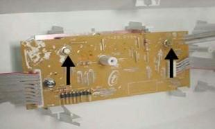 retirada parafusos placa interface lavadoras consulCWL75A e CWL10B thumb Desmontagem e Testes das Lavadoras Consul CWL75A e CWL10B