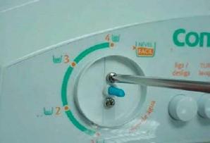 retirada parafusos pressostato lavadoras consulCWL75A e CWL10B thumb Desmontagem e Testes das Lavadoras Consul CWL75A e CWL10B