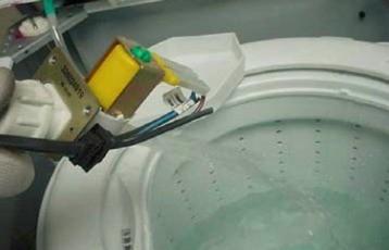 teste valvula na torneira2 thumb Teste dos Componentes das Lavadoras Brastemp e Consul Eletrônica
